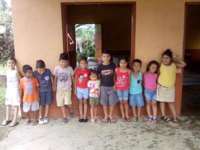 Los ninos de La Esperanza