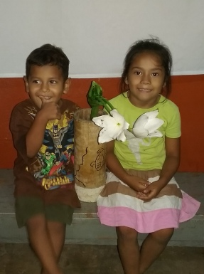 La esperanza Jueves Santo kids 1